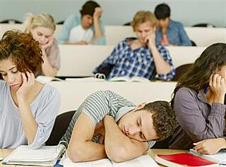 bored-classroom-students-ekrn86hs.jpg